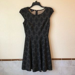 AGB Black & Tan Dress Fit & Flare Cap Sleeve